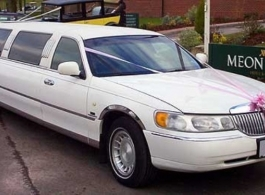White, 8 seat Limousine for wedding hire in Southsea